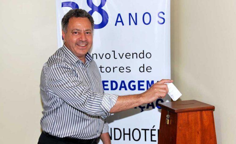 Carlos_Silva__reeleito_presidente_do_Sindhotis